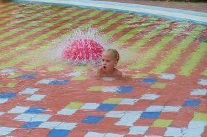 swimming-852022_1280